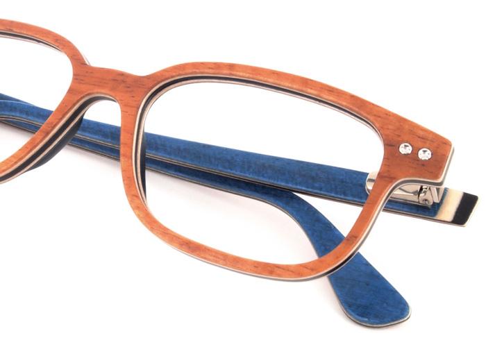 f1de540f0 Ajustamos seu óculos, nivelando as hastes apertando os parafusos e  regulando as plaquetas.