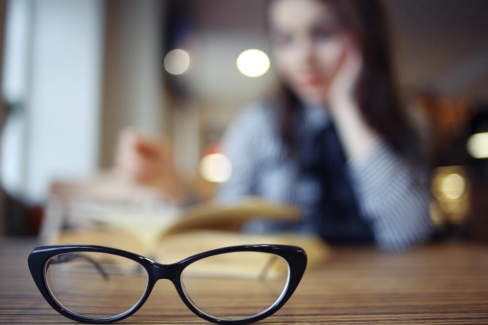 O que causa a visão turva?